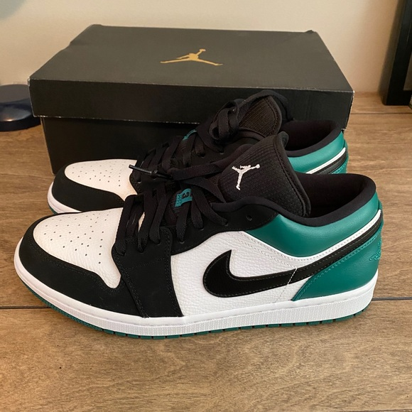 "Jordan Other - Jordan 1 Low ""Mystic Green"""